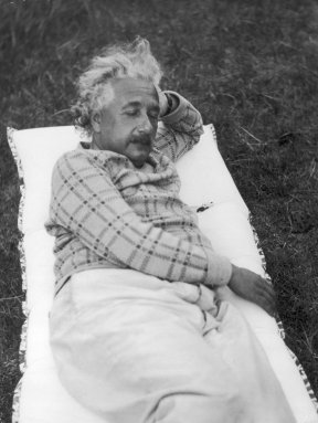 rare-einstein-photos-16